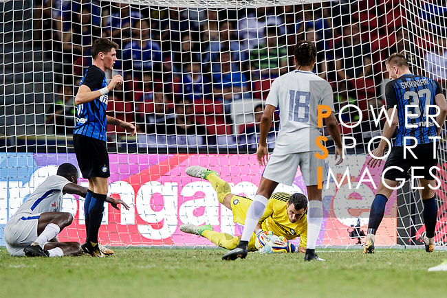 FC Internazionale Goalkeeper Daniele Padelli (C) in action during the International Champions Cup 2017 match between FC Internazionale and Chelsea FC on July 29, 2017 in Singapore. Photo by Marcio Rodrigo Machado / Power Sport Images