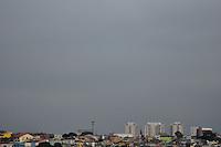 SAO PAULO, SP, 23.08.2013 – CLIMA TEMPO / AMEAÇA DE CHUVA / SP<br /> Ceú encoberto na Freguesia do Ó, na região norte de São Paulo, na tarde dessa sexta feira, 23. (Foto: Fabio Martins / Brazil Photo Press).