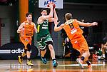 S&ouml;dert&auml;lje 2014-10-01 Basket Basketligan S&ouml;dert&auml;lje Kings - Norrk&ouml;ping Dolphins :  <br /> S&ouml;dert&auml;lje Kings Toni Bizaca i kamp om bollen med Norrk&ouml;ping Dolphins Toni Prostran och Gustav Sundstr&ouml;m  <br /> (Foto: Kenta J&ouml;nsson) Nyckelord:  S&ouml;dert&auml;lje Kings SBBK T&auml;ljehallen Norrk&ouml;ping Dolphins