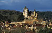 Europe/France/Aquitaine/24/Dordogne/Vallée de la Dordogne/Périgord/Périgord noir/Vitrac: Le Château de Montfort et le village