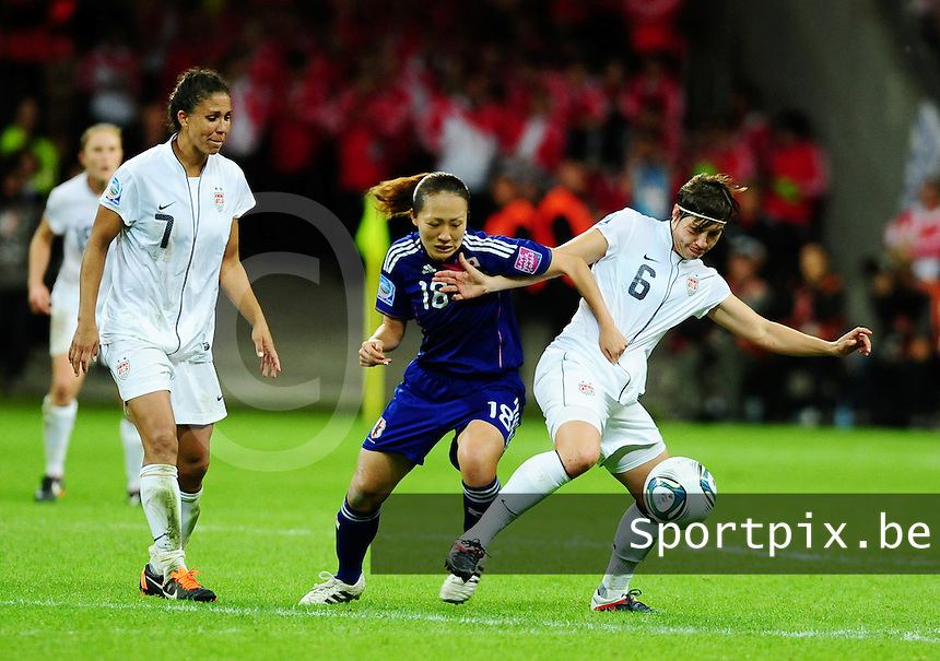 Fifa Women's World Cup Germany 2011 : Japan - USA  at Commerzbank Arena Frankfurt : duel tussen Karina Maruyama en Amy le Peilbet.foto DAVID CATRY / Vrouwenteam.be