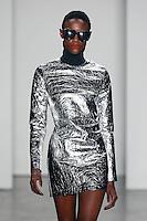 SÃO PAULO,SP, 23.10.2015 - FASHION-WEEK - Desfile da grife Wagner Kallieno na São Paulo Fashion Week Inverno 2016, no prédio da Bienal do Parque Ibirapuera, zona sul de São Paulo, nesta sexta-feira (23). (Foto: Vanessa Carvalho/Brazil Photo Press)