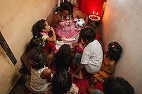 PARNAIBA, PI 27.09.2014 - FESTA COSME E DAMIAO - Festa de Cosme e Damião em bairro carente da cidade da cidade de Parnaiba no Piauí neste sabado.  )Foto: Jardiel Carvalho/Brazil Photo Press).