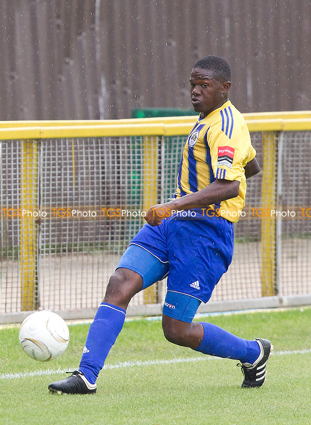Abs Seymour of Romford in action - Romford vs Waltham Abbey - Ryman League Division One North Football at Thurrock FC, Ship Lane, Essex - 17/08/13 - MANDATORY CREDIT: Ray Lawrence/TGSPHOTO - Self billing applies where appropriate - 0845 094 6026 - contact@tgsphoto.co.uk - NO UNPAID USE