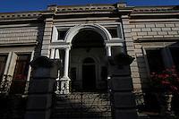 Casa antigua en El Centro histórico de Hermosillo en la calle Serdan.