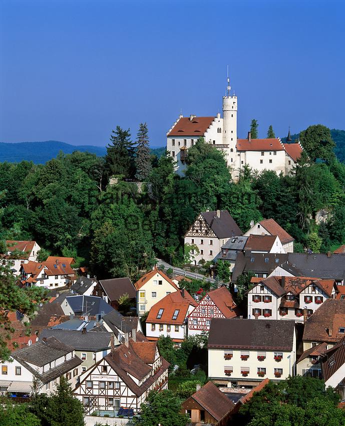 Deutschland, Bayern, Franken, Fraenkische Schweiz, Goessweinstein mit Burg | Germany, Bavaria, Franconia, Goessweinstein: with Castle