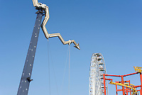 Fahrgeschäft im Vergnügungspark Prater, Wien, Österreich<br /> funfair ride at amusementpark Prater, Vienna, Austria