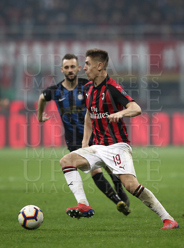Calcio, Serie A: AC Milan - Inter Milan, Giuseppe Meazza (San Siro) stadium, Milan on 17 March 2019.  <br /> Milan's Krzysztof Piatek in action during the Italian Serie A football match between Milan and Inter Milan at Giuseppe Meazza stadium, on 17 March 2019. <br /> UPDATE IMAGES PRESS/Isabella Bonotto