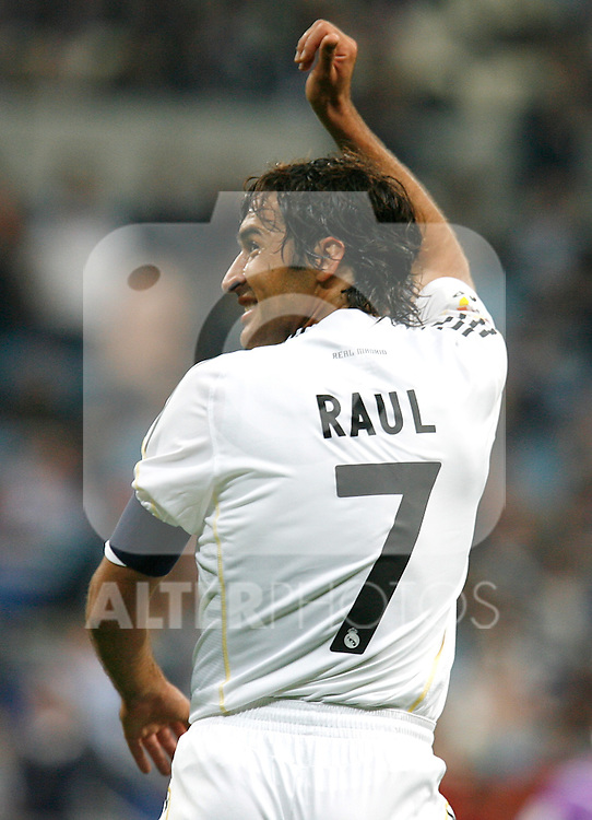 Real Madrid's Raul celebrates during La Liga match. October 17, 2009. (ALTERPHOTOS).