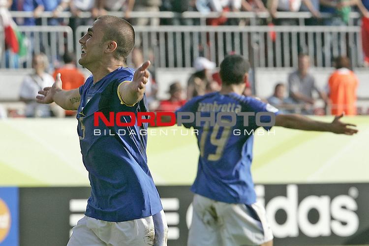 FIFA WM 2006 -  Round of Sixteen - / Viertelfinale <br /> Play      #53 (26-Jun) - Italien - Australien<br /> <br /> Jubel CANNAVARO Fabio (li) und ZAMBROTTA Gianluca <br /> <br /> <br /> Foto &copy; nordphoto