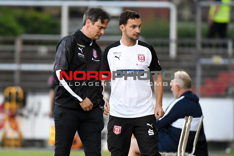 12.06.2020, Hänsch-Arena, Meppen, GER, 3.FBL, SV Meppen vs. Hallescher FC, <br /> <br /> im Bild<br /> Co-Trainer Michael Hiemisch (Hallescher FC)<br /> <br /> <br /> DFL REGULATIONS PROHIBIT ANY USE OF PHOTOGRAPHS AS IMAGE SEQUENCES AND/OR QUASI-VIDEO<br /> <br /> Foto © nordphoto / Paetzel