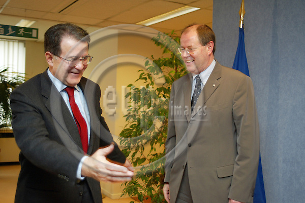 Belgium--Brussels--Commission     04.02.2003.Romano PRODI, President of the EU-commission ;      .Peer STEINBRUECK, Prime Minister of the State of North-Rhine-Westphalia ( NRW ) ;  Wolfram KUSCHKE, Minister and head of the state chancellery  (Mitte/Middle)          . PHOTO: EUP-IMAGES.COM / ANNA-MARIA ROMANELLI