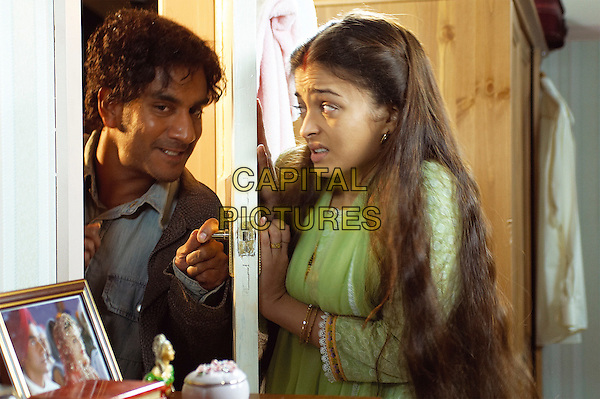 NAVEEN ANDREWS & AISHWARYA RAI.in Provoked: A True Story .**Editorial Use Only**.CAP/PLF.Supplied by Capital Pictures