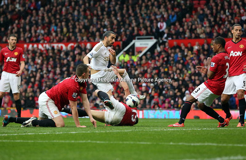 Pictured: (C) Chico Flores.<br />