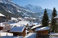 CHE, Schweiz, Kanton Bern, Berner Oberland, Wengen: Ortsansicht mit Jungfrau (4.158 m) - Austragungsort des beruehmten Lauberhornrennens | CHE, Switzerland, Canton Bern, Bernese Oberland, Wengen: with Jungfrau (4.158 m) mountain