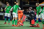 AMSTELVEEN - keeper Dave Harte (IRE) met Conor Harte (IRE) en Matthew Bell (IRE)   tijdens de hockeyinterland Nederland-Ierland (7-1) , naar aanloop van het WK hockey in India.  COPYRIGHT KOEN SUYK