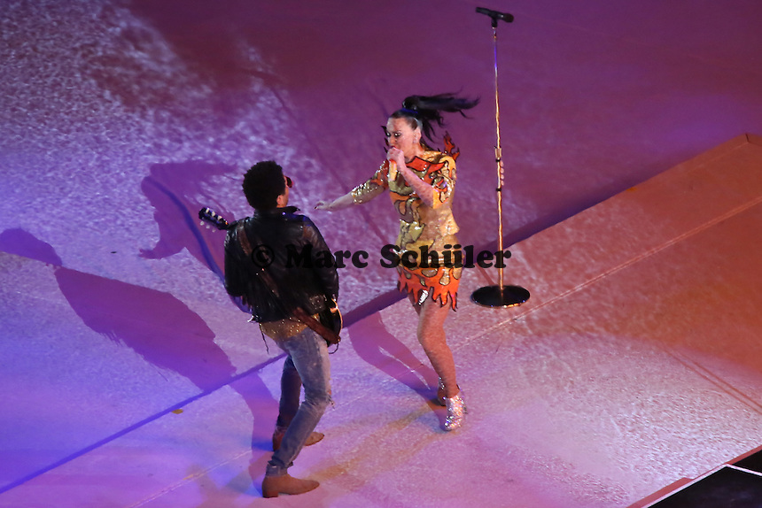 Halbzeitshow mit Katy Perry und Lenny Kravitz - Super Bowl XLIX, Seattle Seahawks vs. New England Patriots, University of Phoenix Stadium, Phoenix