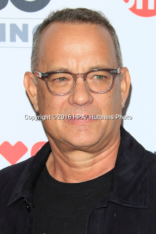 LOS ANGELES - SEP 9:  Tom Hanks at the 5th Biennial Stand Up To Cancer at the Walt Disney Concert Hall on September 9, 2016 in Los Angeles, CA