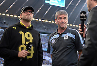 FUSSBALL   DFB POKAL 2. RUNDE   SAISON 2013/2014 TSV 1860 Muenchen - Borussia Dortmund         24.09.2013 Trainer Juergen Klopp (li, Borussia Dortmund) und Trainer Friedhelm Funkel (1860 Muenchen)  nachdenklich beim Sky Interview