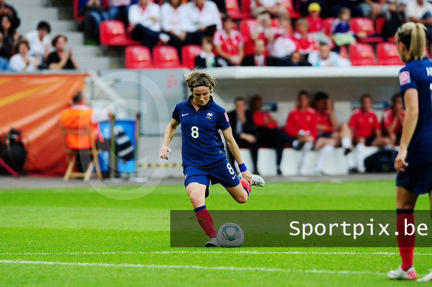 Fifa Women's World Cup Germany 2011 : England - France - at Leverkusen : Sonia Bompastor.foto DAVID CATRY / Vrouwenteam.be