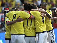 BARRANQUILLA - COLOMBIA -29-03-2016: Jugadores de Colombia, celebran el segundo gol anotado a Ecuador, durante partido entre los seleccionados de Colombia y Ecuador, por la fecha 6 para la clasificación sudamericana a la Copa Mundial de la FIFA Rusia 2018, jugado en el estadio Metropolitano Roberto Melendez en Barranquilla. /  Players of Colombia, celebrate the second gal scored to Ecuador, during match between the teams of Colombia and Ecuador, for the date 6 for the Qualifier FIFA World Cup Russia 2018, played at Metropolitan stadium Roberto Melendez in Barranquilla. Photo: VizzorImage / Luis Ramirez / Staff.