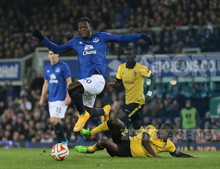 Romelu Lukaku of Everton jumps past the tackle made by Rio Antonio Mavuba of Lille - UEFA Europa League - Everton vs  Lille - Goodison Park Stadium - Liverpool - England - 6th November 2014 - Pic Simon Bellis/Sportimage