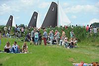 ZEILEN: GROU: Pikmar, De Tynje, Wide Ie, 30-07-2016, SKS skûtsjesilen, openingswedstrijd, skûtsjes van Leeuwarden, Grou en Joure door De Tynje, ©foto Martin de Jong