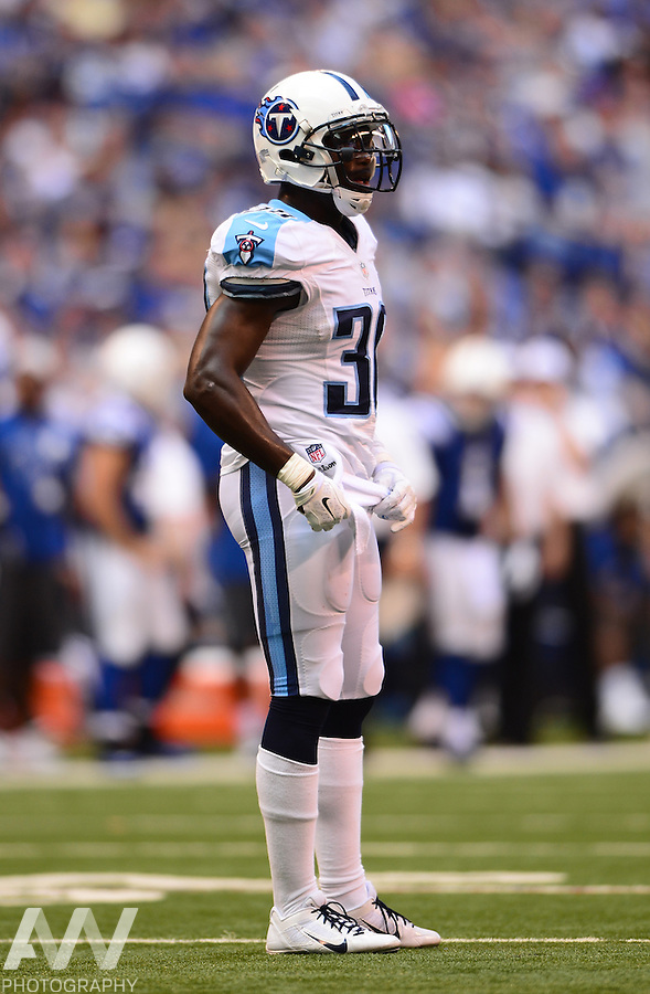 Sep 28, 2014; Indianapolis, IN, USA; Tennessee Titans free safety Michael Griffin (33) against the Indianapolis Colts at Lucas Oil Stadium. Mandatory Credit: Andrew Weber-USA TODAY Sports