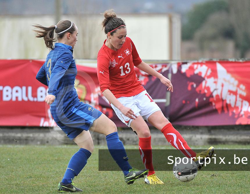 Switzerland U19 - France U19 : Sabrina Ribeaud (13) and Charlotte Lorgere.foto DAVID CATRY / Nikonpro.be