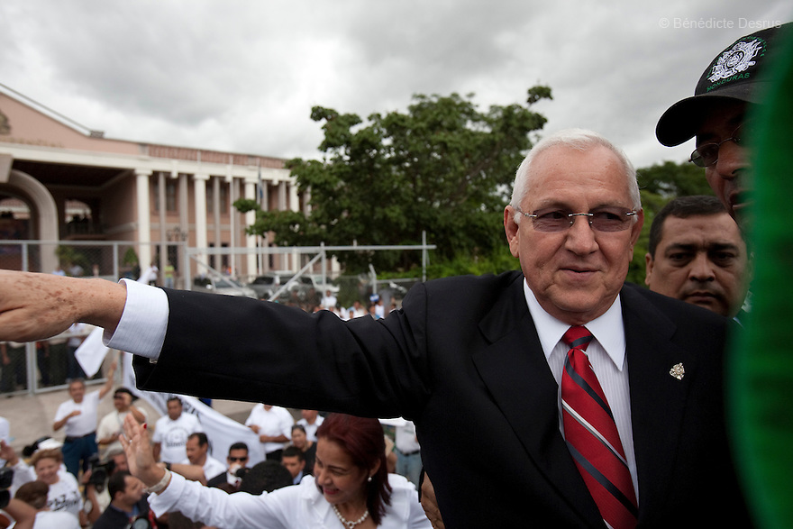 3 July 2009 - Tegucigalpa, Honduras  Honduras' Interim President Roberto Micheletti speaks against ousted President Manuel Zelaya outside the presidential residence in Tegucigalpa, capital of Honduras. Micheletti saids he was open to early elections. Photo credit: Benedicte Desrus