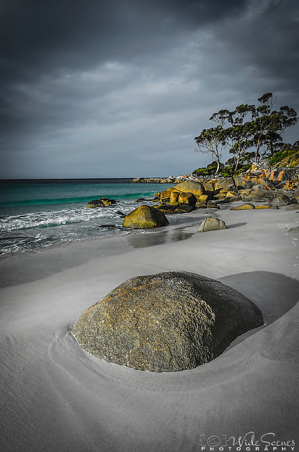 Golden Hour in Binalong Bay in the Bay of Fires Conservation Area on the east coast of Tasmania in Australlia