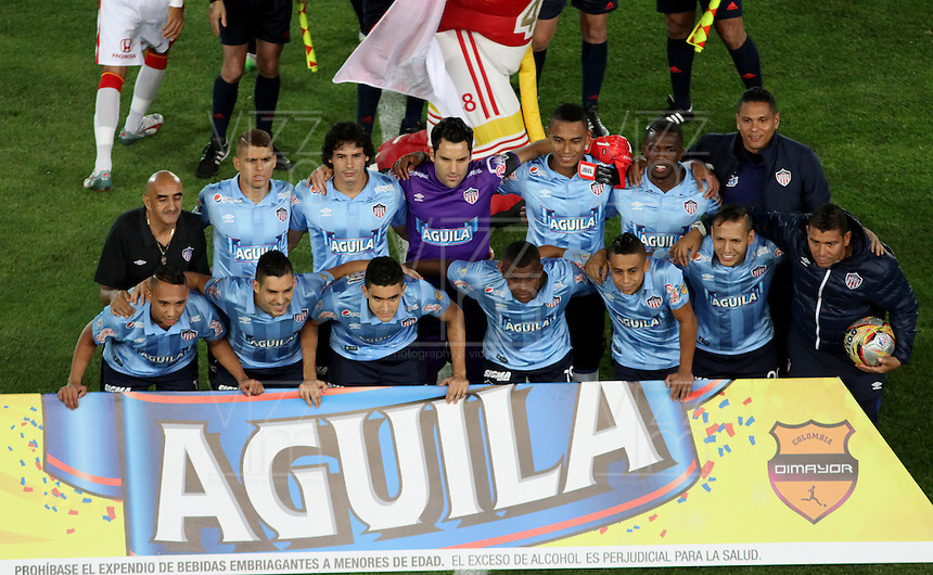 BOGOTA - COLOMBIA - 03-10-2015: Formacion del Atletico Junior durante partido contra el Independiente Santa Fe  por la fecha 15 de la Liga Aguila II 2015 jugado en el estadio Nemesio Camacho El Campin. /Team of Atletico Junior   during a match against of Independiente Santa Fe for the fifteen date of the Liga Aguila II 2015 played at Nemesio Camacho El Campin stadium in Bogota city. Photo: VizzorImage / Felipe Caicedo / Staff.