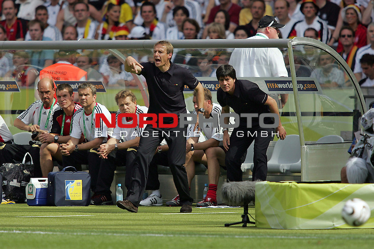 FIFA WM 2006 - Gruppe A ( Group A )<br /> <br /> Play #33 (20-Jun) - Ecuador vs Germany.<br /> <br /> Coach J&cedil;rgen Klinsmann reacts during the match of the World Cup in Berlin.<br /> <br /> Foto &copy; nordphoto