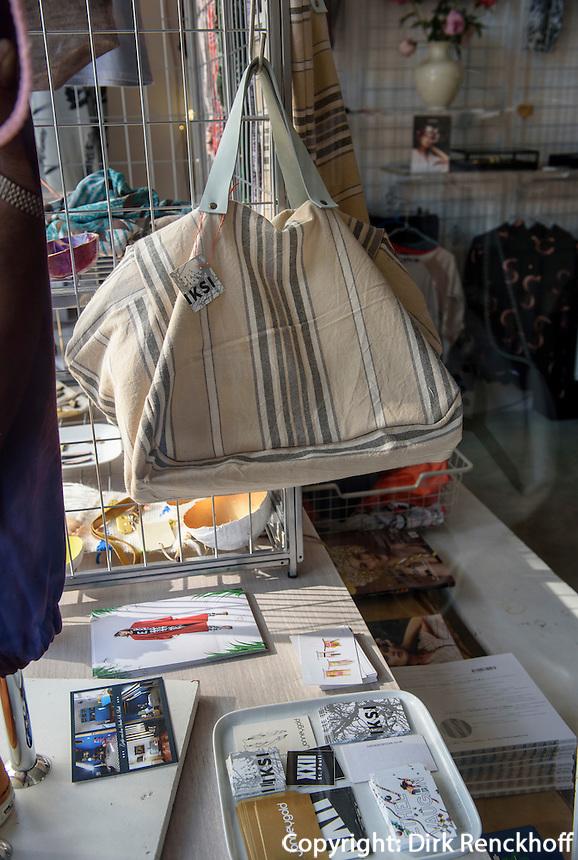 Mode-Boutique KLEINE FREIHEIT No 1, Kleine Freiheit 1 in Hamburg-St. Pauli, Deutschland<br /> Fashion -Boutique KLEINE FREIHEIT No 1, Kleine Freiheit 1 in Hamburg-St. Pauli, Germany