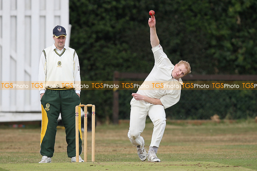 M Richardson in bowling action for Havering - Havering-atte-Bower CC vs Springfield CC 2nd XI - Essex Cricket League - 11/06/11 - MANDATORY CREDIT: Gavin Ellis/TGSPHOTO - Self billing applies where appropriate - Tel: 0845 094 6026