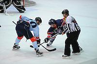 IJSHOCKEY: THIALF: Heerenveen, 22-02-2012, Friesland Flyers - HYS Den Haag, Sander Dijkstra (5), Matt Korthuis (20), Eindstand 2-5, face-off, ©foto: Martin de Jong