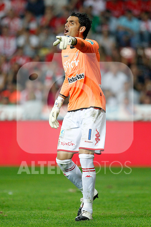 Sporting de Gijon's Juan Pablo Colinas during La Liga match.October 2,2011. (ALTERPHOTOS/Acero)