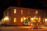 AJ5921, B&B, Inn, Hotel, Resort, Christmas, decorations, holiday, outdoor, snow, winter, Manchester, Vermont, The 1811 House is decorated for the Christmas holiday season at night in Manchester Village in Bennington County in the state of Vermont.