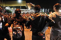 SÃO PAULO,SP,29.04.2014 - 6º ATO CONTRA COPA - Manifestantes fecham a rua Tuiuti no Tatuapé durante protesto contra a copa do mundo.(Foto Ale Vianna/Brazil Photo Press).