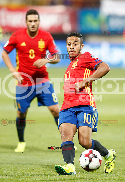 Spain's Koke Resurreccion (l) and Thiago Alcantara during FIFA World Cup 2018 Qualifying Round match. September 5,2016.(ALTERPHOTOS/Acero)