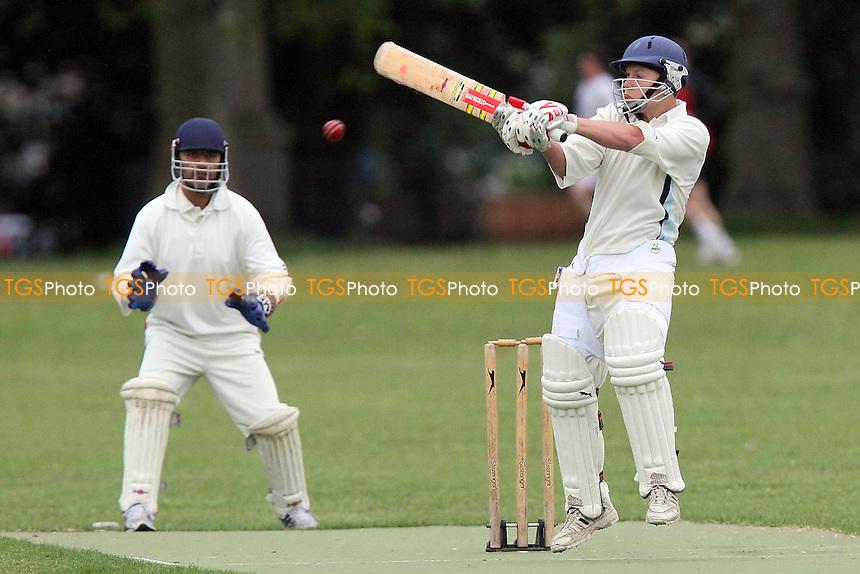 Junoon CC (fielding) vs Victoria Park Juniors - Victoria Park Community Cricket League - 07/06/10 - MANDATORY CREDIT: Gavin Ellis/TGSPHOTO - Self billing applies where appropriate - Tel: 0845 094 6026