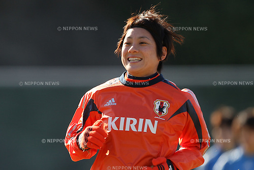 Yukari Kinga (JPN), FEBRUARY 11, 2012 - Football / Soccer : Nadeshiko Japan team training Wakayama camp at Kamitonda Sports Center in Wakayama, Japan. (Photo by Akihiro Sugimoto/AFLO SPORT) [1080]