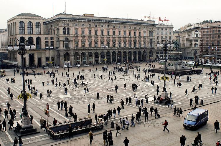 Italia, Milano, piazza del Duomo..Italy, Milan, the Cathedral square..© Andrea Pagliarulo