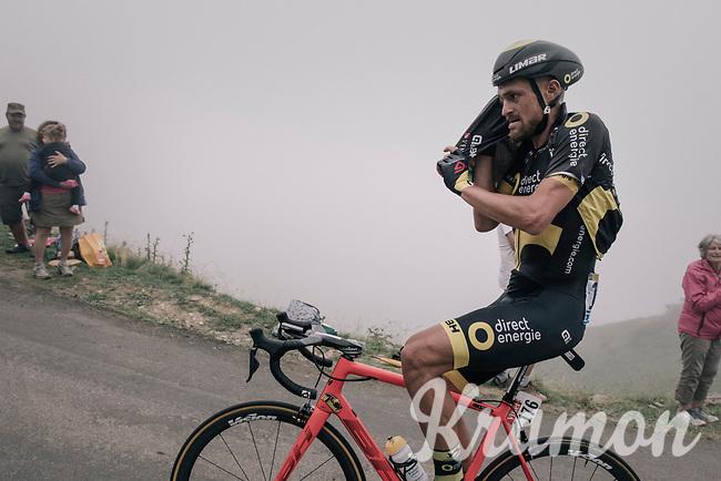 Adrien Petit (FRA/Direct Energie) getting his jacket on before descending the Port de Bal&egrave;s (HC/1755m/11.7km/7.7%)<br /> <br /> 104th Tour de France 2017<br /> Stage 12 - Pau &rsaquo; Peyragudes (214km)
