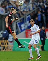 FUSSBALL   1. BUNDESLIGA   SAISON 2011/2012    10. SPIELTAG Bayer 04 Leverkusen - FC Schalke 04                        23.10.2011 Simon ROLFES (li, Leverkusen) gegen Klaas-Jan HUNTELAAR (re, Schalke)