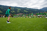 11.07.2019, Parkstadion, Aschau, AUT, TL Werder Bremen - Tag 07 Fussballschule SV Werder Bremen<br /> <br /> im Bild / picture shows <br /> Joshua Sargent (Werder Bremen #19) und David Philipp (Werder Bremen #31) besuchten die Werder Fussballschule in Aschau am Donnerstag nachmittag - nach einer gemeinsamen Trainingseinheit - (Chineische Mauer) wurden fleissig Autogramme verteilt<br /> <br /> Foto © nordphoto / Kokenge