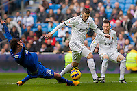Benzema and Callejon counterattack