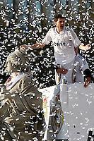 MADRID, ESPANHA, 04 MAIO DE 2012 - COMEMORACAO REAL MADRID - Iker Casillas goleiro do Real Madrid, celebra o titulo da Liga Espanhola, na Praca Cibeles no centro de Madrid, ontem quinta-feira, 3. (FOTO: ARNEDO  ALCONADA / ALTER / ALFAQUI / BRAZIL PHOTO PRESS)