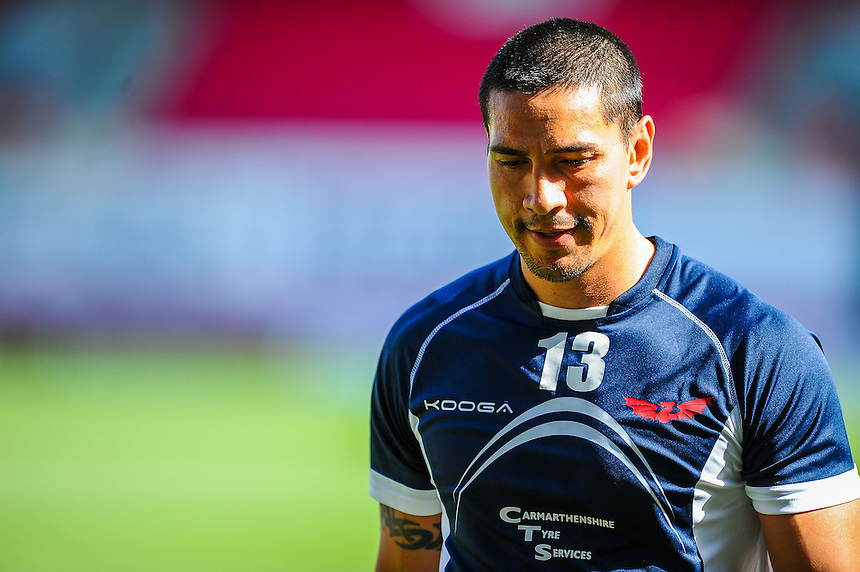 Scarlets' Regan King during the pre match warm up<br /> <br /> Photographer Craig Thomas/CameraSport<br /> <br /> Rugby Union - Guinness PRO12 - Scarlets v Ulster - Saturday 12th September 2015 - Parc y Scarlets - Llanelli<br /> <br /> &copy; CameraSport - 43 Linden Ave. Countesthorpe. Leicester. England. LE8 5PG - Tel: +44 (0) 116 277 4147 - admin@camerasport.com - www.camerasport.com
