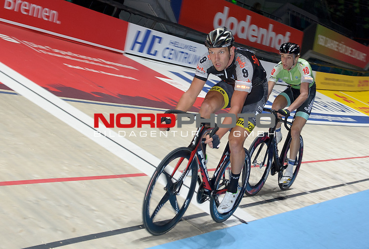 13.01.2015, &Ouml;VB Arena, Bremen, GER, Sixdays Bremen, im Bild Marcel Kalz (Team swb #9), Jesper Moerkoev (Team Leasing-eBike #10)<br /> <br /> Foto &copy; nordphoto / Frisch